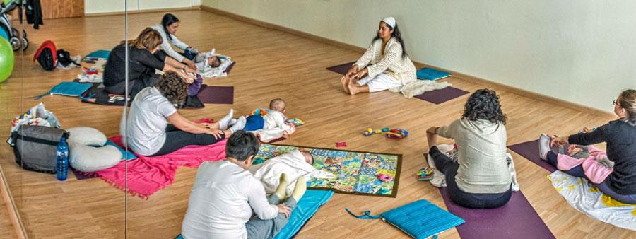 yoga post natal mamas bebes